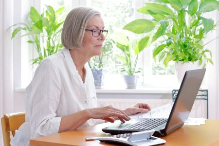 Lady on computer