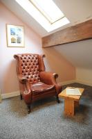 Counselling, CBT, Hypnotherapy, life coaching and more happens in this room at the Sheffield Wellness Centre