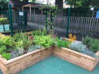 Outdoor garden at Linden Lodge